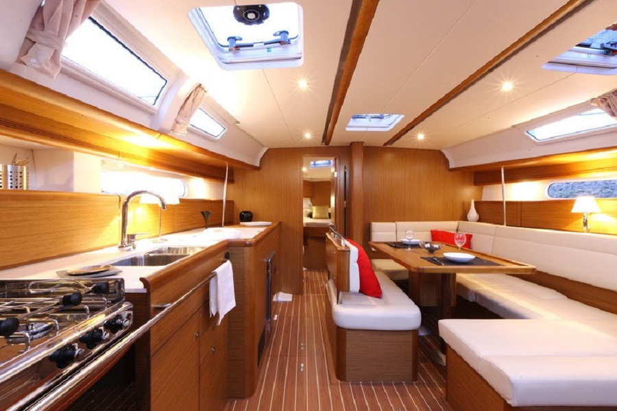 interno-barca-1
